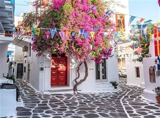 In the heart of the Cyclades