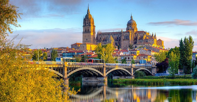 Porto, The Douro Valley And Salamanca